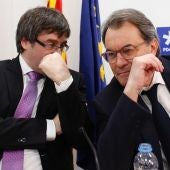 Carles Puigdemont junto a Artur Mas