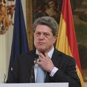 Federico Trillo ante los medios