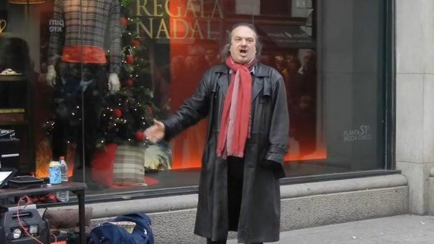 """Enrico de Torres: """"Llevo desde 1999 cantando por la calles de Barcelona"""""""