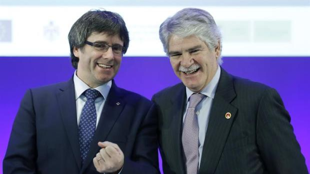 Carles Puigdemont y Alfonso Dastis
