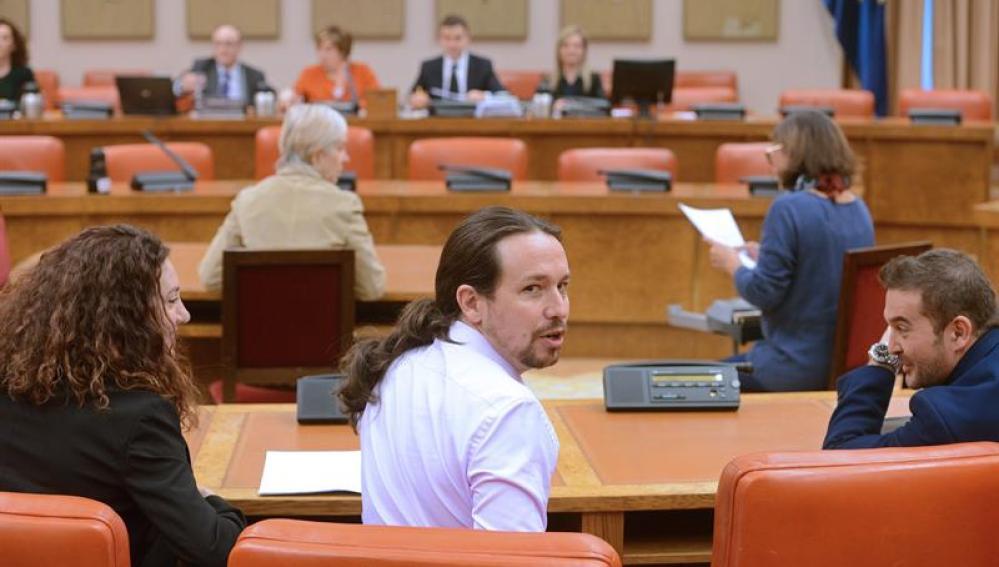 Pablo Iglesias en comparecencia del gobernador del Banco de España, Luis María Linde, en la Comisión de Seguimiento y Evaluación de los Acuerdos Pacto de Toledo