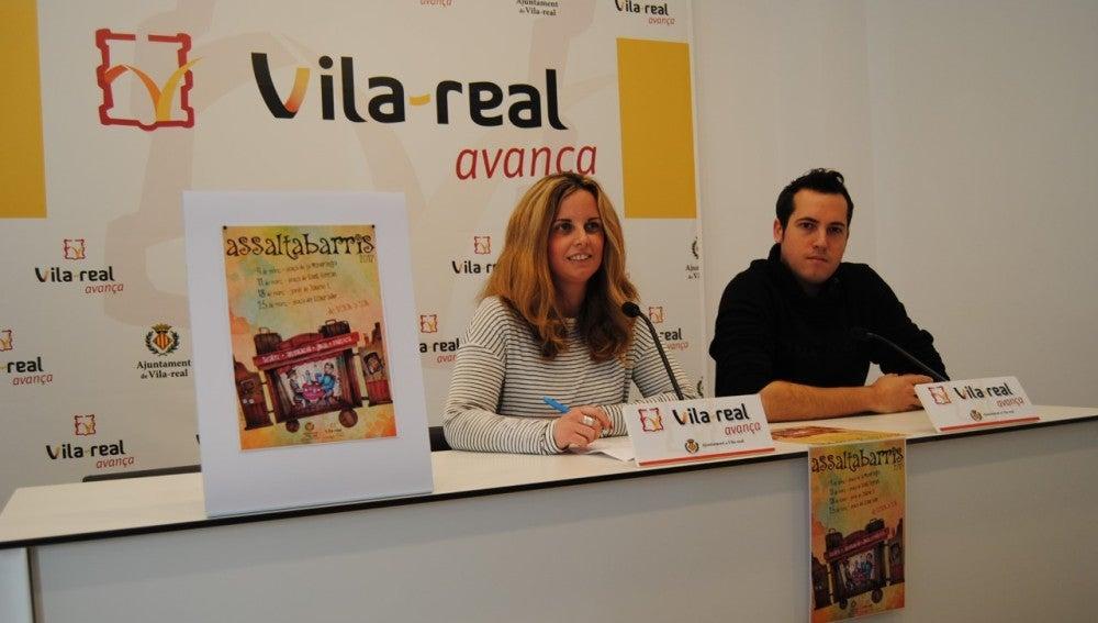 L'edil de Participació Ciutadana Gemma Gil i el responsable del Teatre La Fam, Sergio Heredia han presentat la programació d'Assaltabarris.