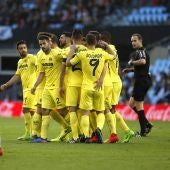 Los jugadores del Villarreal celebran el gol de Soldado contra el Celta