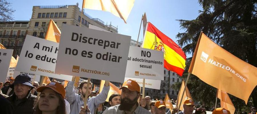Manifestación en Madrid a favor del autobús Hazte Oír
