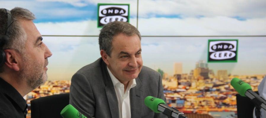 José Luis Rodríguez Zapatero durante una entrevista en Más de uno con Carlos Alsina