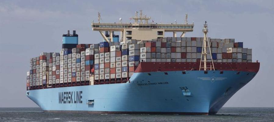 Vista del mayor buque contenedor del mundo, a su llegada al puerto de Rotterdam, Holanda