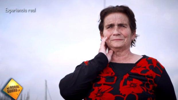 La tele con Monegal: La emotiva reacción de dos mujeres al ver el mar por primera vez en 'El Hormiguero'