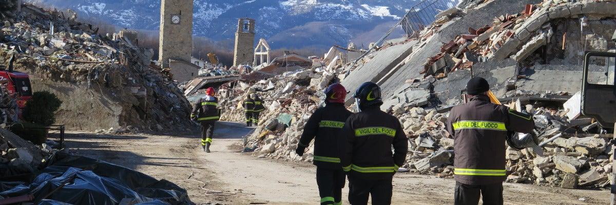 Latitud Cero: La vida en las ciudades después de la catástrofe