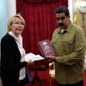 El presidente de Venezuela, Nicolás Maduro, durante un encuenttro con la Fiscal General, Luisa Ortega Díaz