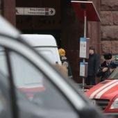 Los bomberos en el metro de San Petersburgo