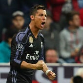 Cristiano Ronaldo celebra su primer gol ante el Bayern de Múnich