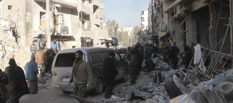 Civiles siendo evacuados del este de la ciudad de Alepo, Siria