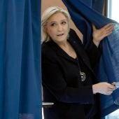Marine Le Pen vota en su feudo de Hénin-Beaumont, en el norte de Francia