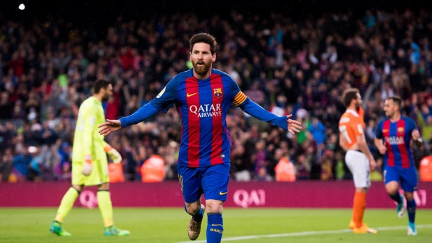 Leo Messi celebra el 1-0 ante Osasuna