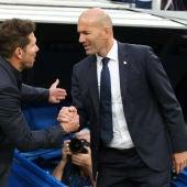 El saludo entre Zidane y Simeone