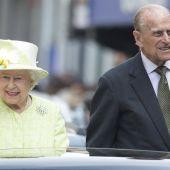 La reina Isabel II y su marido Felipe de Edimburgo