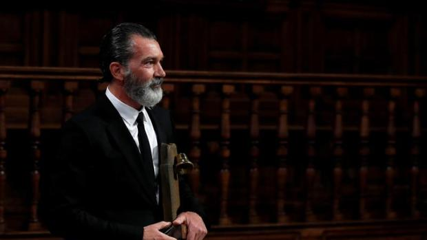 El humor de Javier Quero: Bertín Osborne entrevista a Antonio Banderas