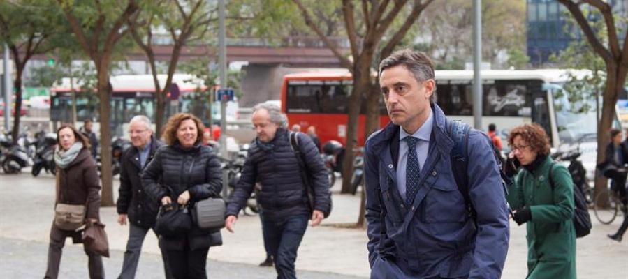 El fiscal Emilio Sánchez Ulled llega a la Ciutat Judicial