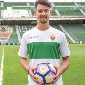 Luis Pérez, el día de su presentación como jugador del Elche CF.