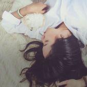 5 motivos por los cuales NUNCA debes recogerte el pelo para dormir