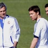 Mourinho, con Xabi Alonso y con Arbeloa