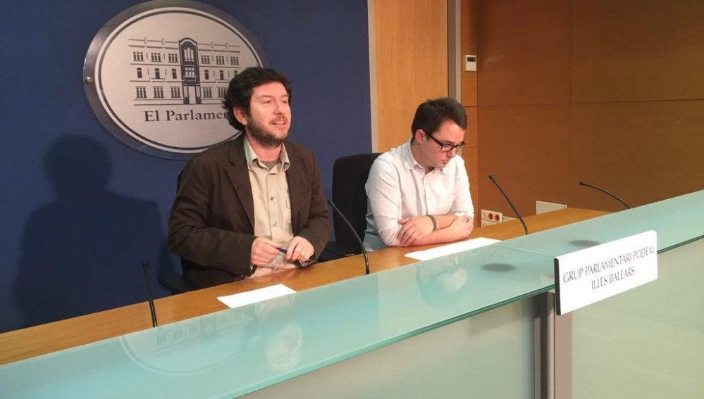 Alberto Jarabo y Carlos Saura diputados parlamentarios de Podemos