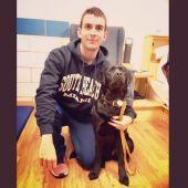 Gerard Descarrega junto a Willow, su perra guía