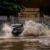 Grandes lluvias, entorpecen la circulación