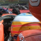 Kvyat embiste a Fernando Alonso