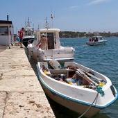 Patera en el puerto de Mallorca