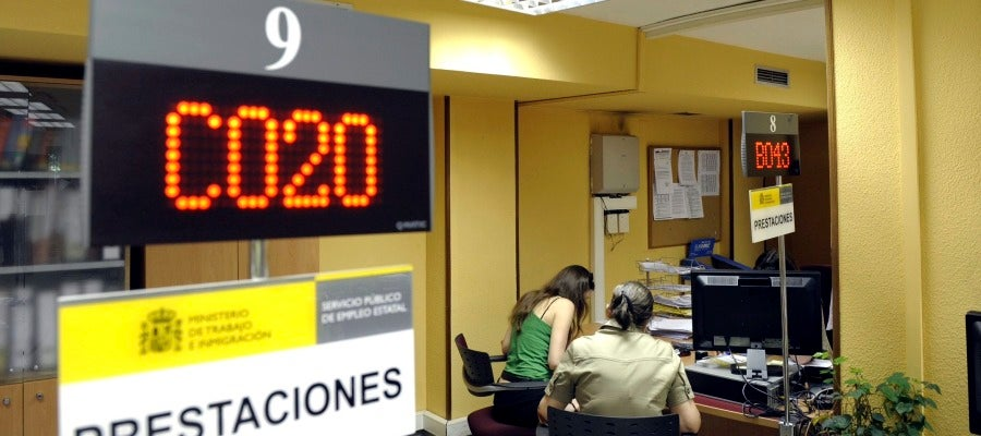 Ondacero radio cantabria lidera el descenso mensual de for Oficina de desempleo