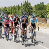 Pelotón en la Vuelta a Burgos 2017
