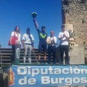 Carlos Barbero celebrando su victoria en la cuarta etapa de la Vuelta a Burgos