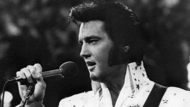 A qué suena hoy: Elvis Presley se teñía el pelo