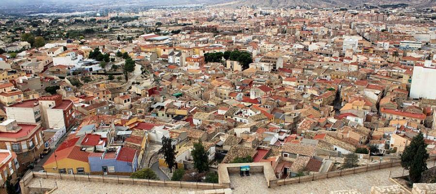 Vistas de la localidad desde el Castillo de Petrer