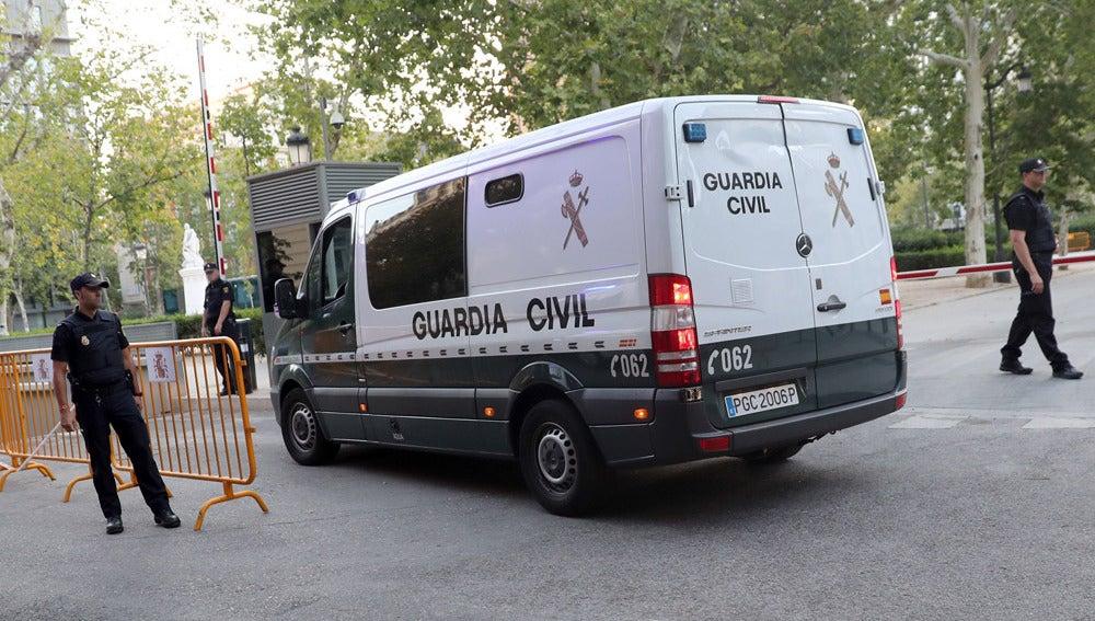 Llegada a la Audiencia Nacional de los yihadistas detenidos