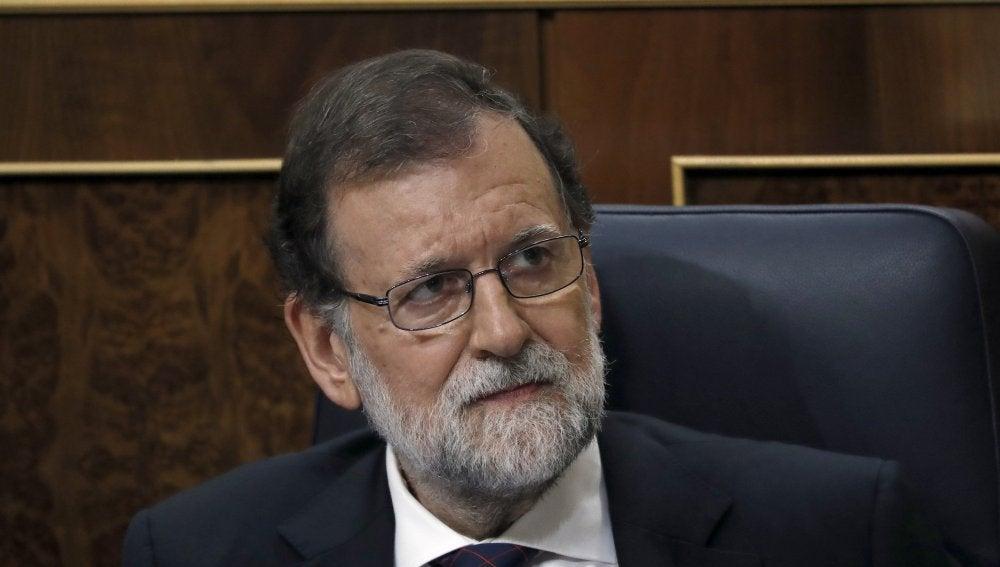 El presidente del Gobierno, Mariano Rajoy, tras comparecer
