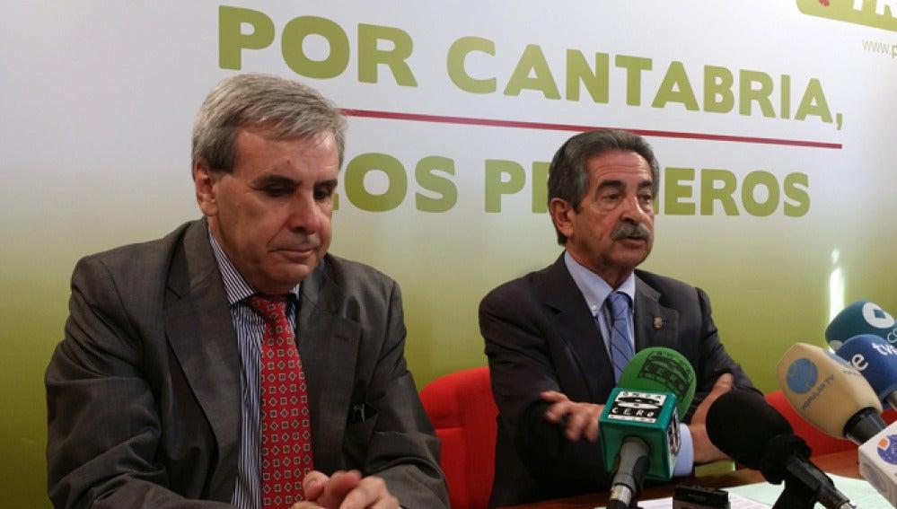 Rafael de la Sierra junto a Miguel Ángel Revilla