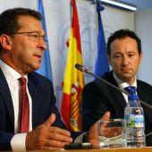 Genaro Alonso, consejero de Educación, y Guillermo Martínez, portavoz del Gobierno del Principado