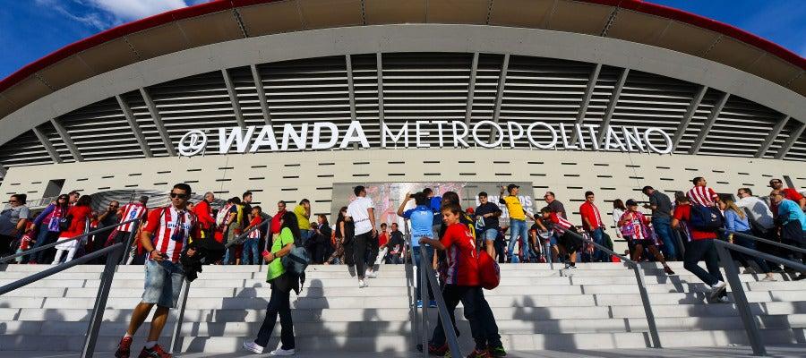El exterior del Wanda Metropolitano a la llegada de los aficionados