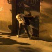 Momento de la supuesta agresión a un independentista en la manifestación de ultraderecha