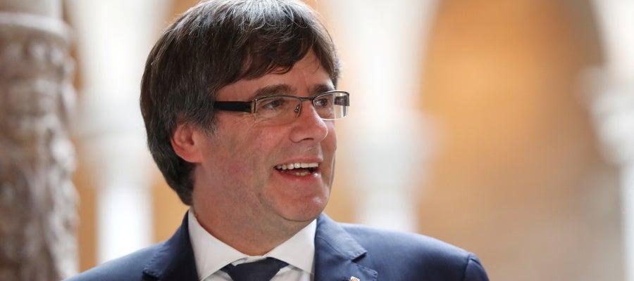 Carles Puigdemont dice a Rajoy que el Parlament puede declarar la independencia si no hay diálogo