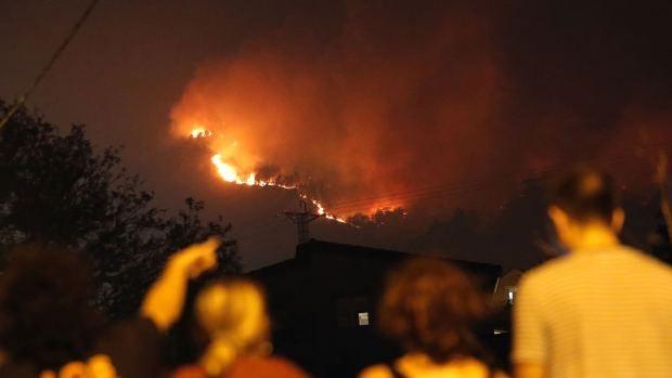 """Teniente Coronel de la UME:  """"Los medios están centrados en defender las poblaciones del fuego"""""""