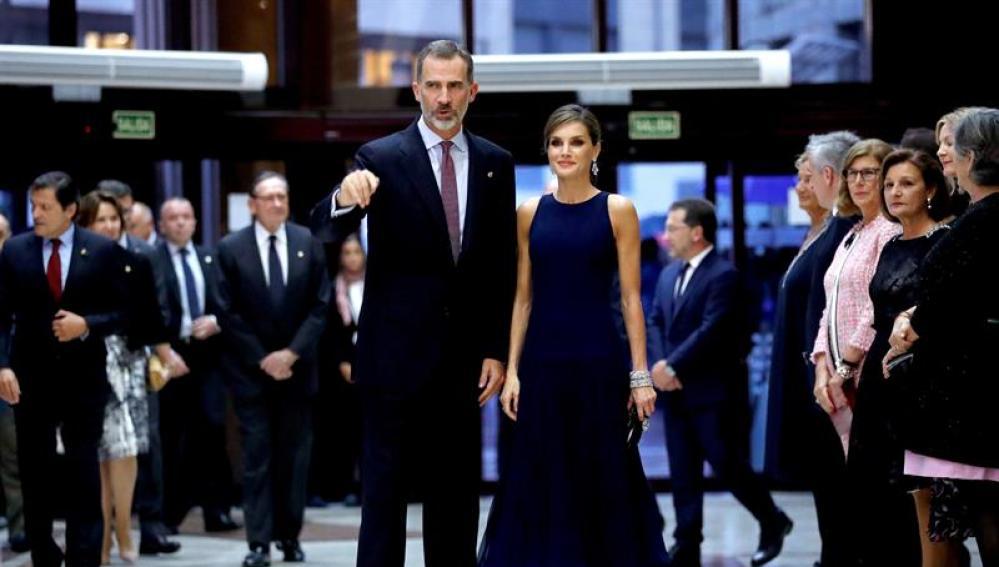 Los reyes Felipe y Letizia en el concierto de los Premios Princesa de Asturias