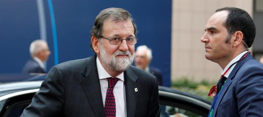 Rajoy recibe el apoyo de Merkel y Macron y del resto de la UE frente al desafío independentista en Cataluña