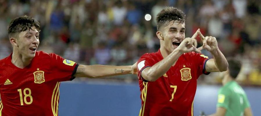 El sub-17 Ferrán Torres celebra un gol