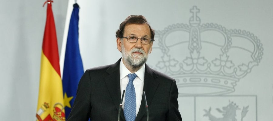Rajoy cesa al Govern, disuelve el Parlament y convoca elecciones en Cataluña el jueves 21 de diciembre