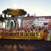 Miles de personas se han manifestado en Madrid para reivindicar el soterramiento de las vías férreas del tren AVE en Murcia