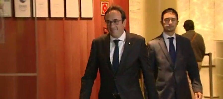 El exconseller Josep Rull sale de su despacho
