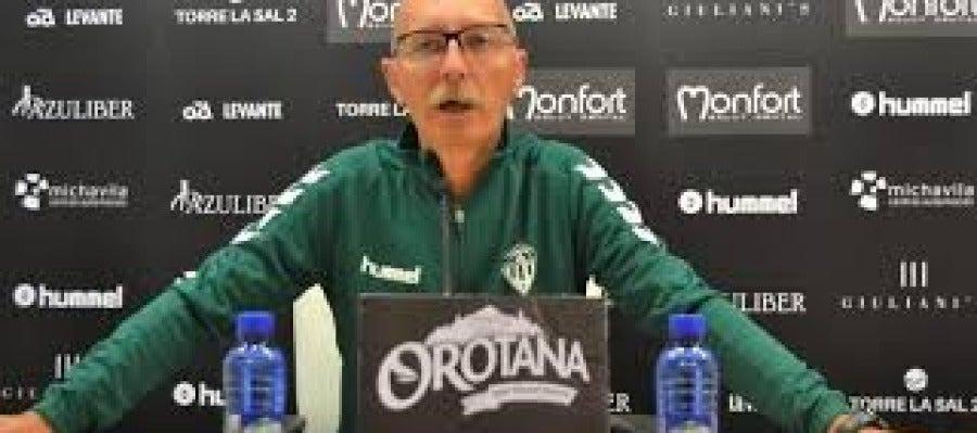 El ya ex técnico albinegro, Frank Castelló
